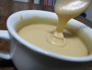 vanilla-cream-frosting-maple-syrup