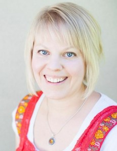 KYF #053: Essential Survival with Julie Behling-Hovdal  Meet Julie from Essential Survival. Julie has an incredible story of getting off prescription medicines and healing from chronic disease using essential oils and other holistic healing methods.   KnowYourFoodPodcast.com/53