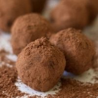 Chocolate is God's gift to women. Am I right? When my friends introduced me to scrumptious, bittersweet chocolate truffles coated in cocoa powder that melt in your mouth, it was only a matter of time before I created my own version of bittersweet chocolate truffles!