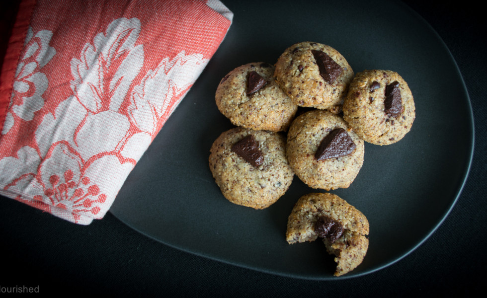 "44 Egg-Free Cookies That Are Crazy Good | What in the world is better than a soft, melt-in-your-mouth cookie dipped in fresh, raw milk? The answer is NOTHING. I've met folks who aren't ""cake people"", who don't care for frosting, who aren't fans of ice cream. Yet I can honestly say I've never heard of someone who didn't love cookies! Awesome egg-free cookie recipes exist! Feast your eyes and your tummies on 44 egg-free cookies that are craaaaaaaazy good! 