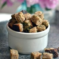 Must. Have. Croutons... It may seem silly -- and even slightly picky -- of me, but I just can't eat a salad without them! Making these sourdough croutons in the dehydrator couldn't be easier!